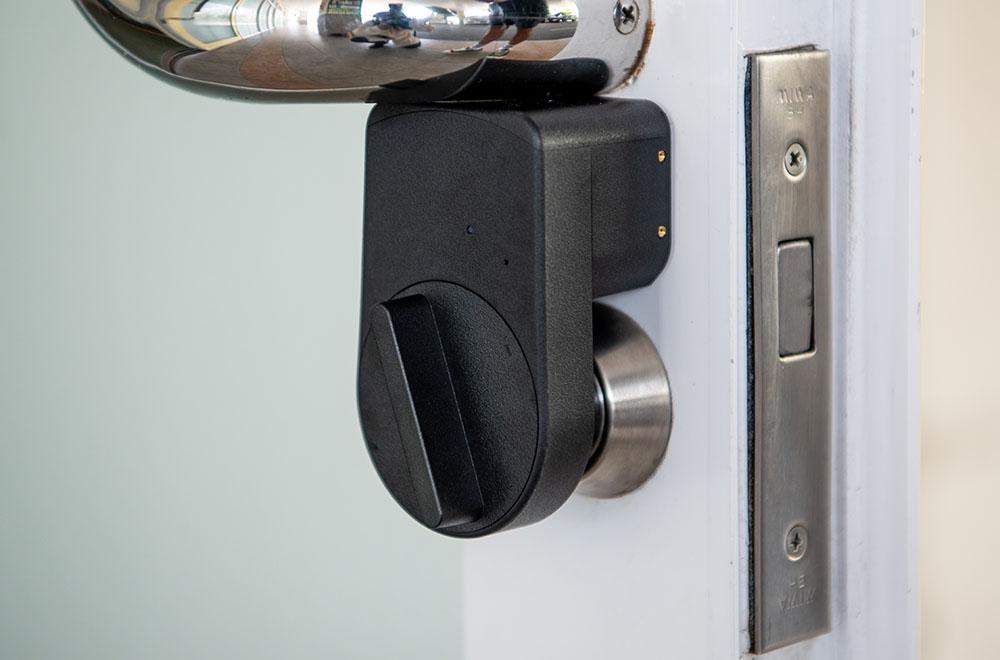 鍵の受け渡しを控え、ナンバーキーとリモートロックでのドア開閉